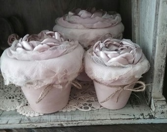 Shabby Vintage flower pots