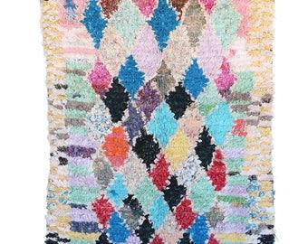 "4'5"" x 8'1"" feet Boucherouite Rug BO901. Vintage Moroccan Rug."