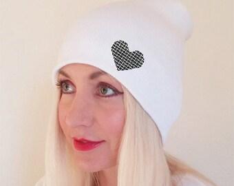 White Beannie Black Heart, Beannie with Heart, Beanie for Women, Beanie for Men, Blank Beanie, Winter Beanie, Beeanie, Beannie, White Hat
