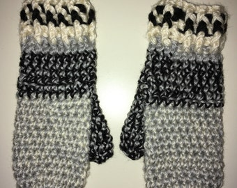 The cozy model crochet mittens