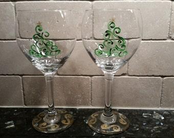 Hand painted swirled Christmas tree wine glasses, set of 2. Winter stemware. Holiday wine glasses. Sparkle stemware. Glitzy wine glasses.