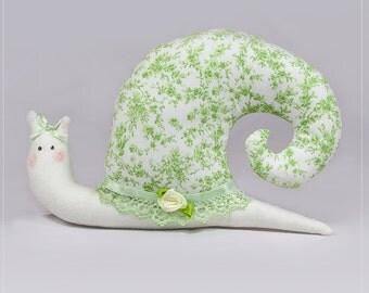 Mathilda, fabric snail, lime, floral