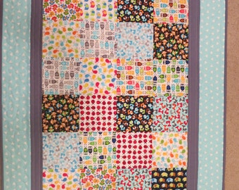 """Baby or toddler quilt for boy;  """"I Spy"""" quilt, Patch work quilt, animal quilt for baby boy, stroller quilt, handmade baby quilt"""