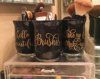 Set of 3 handcrafted make-up brushholders