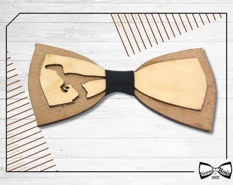 Wooden bow tie, Raptor dinosaur pattern, laser cut and engraved, Oak and Cherrywood, other colors available, customizable, jurassic, history