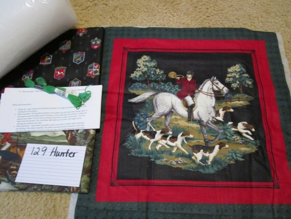Hunter Horse & Dogs - Pillow Quilt