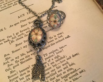 Beautiful vintage silver-toned necklace and ring with handpainted yellow flower