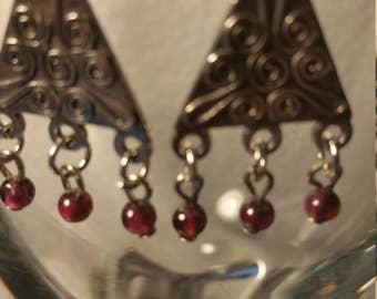 Garnet stone dangle earrings