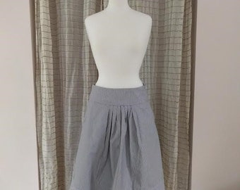 1980's/early 90's striped cotton skirt with pockets and pleats/medium large/pin striped