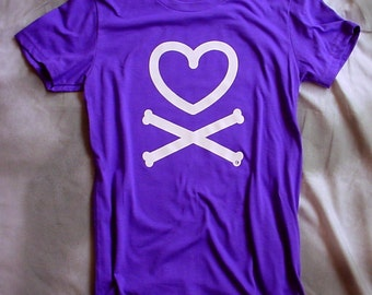 Heart and crossbones, womens and teens t-shirts