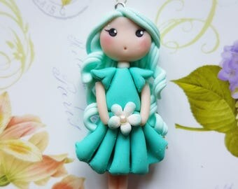 Green doll flower collar of water