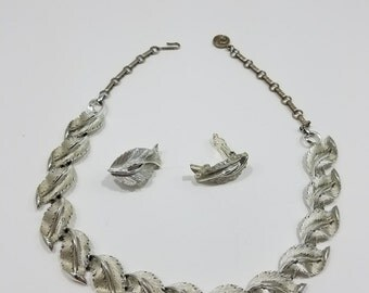 Stunning Lisner Silver Tone Necklace and Matching Clip Style Earrings
