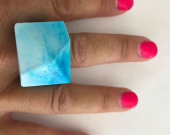 Resin Geometric Ring - White and Blue