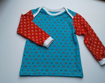 Long Sleeve T-Shirt with cherries in size 98 single-piece