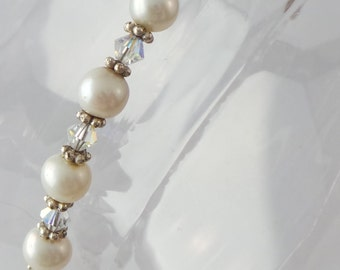 Bracelet with freshwater pearls, Swarovski and silver