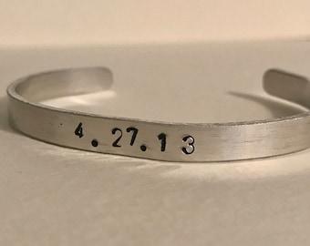 Special Date bracelet - date bracelet, anniversary, birthday, wedding date bracelet