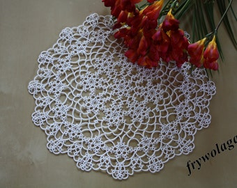 Shuttle Tatting Doily 5 - 2 pattern - by Frywolaga