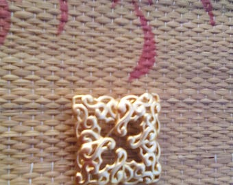 Gold Anne Klein Ornate Square Brooch Pin 1.5 x 1.5 Inches Accessory