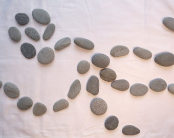 "32 LOOSE BEACH STONES Lot 1002 - 2""-2.5""  oval beach rocks, natural wave-tumbled, Atlantic Ocean craft, wedding, fairy garden stones"