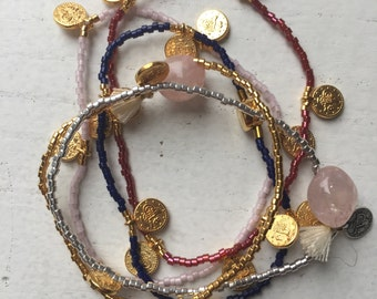 Bracelet with mints