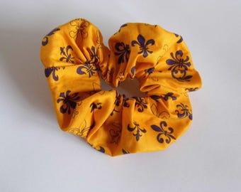 Hair ruffle / scrunchie fleur de lys scout