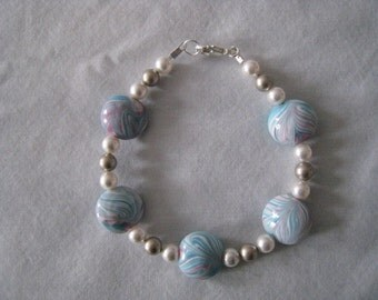 Blue and Pink Swirl Lampwork & Swarovsk White and Platinum Pearl Bracelet/Gift/Women/Lampwork, Swarovski Pearls/White Pearls/Platinum Pearls