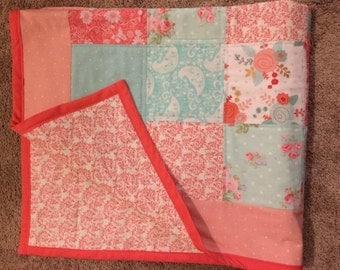 Brynn floral baby girl quilt