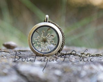 Queen anne's lace necklace, locket