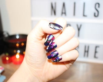 Polished! - Graffiti - Hand painted false nails