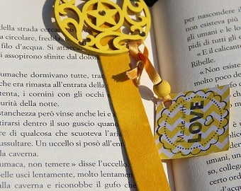 BOOKMARKS, BOOK MARKS