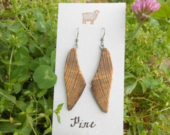 Wooden earrings/natural earrings/earthy earrings/pine wood earrings/natural edge pine earrings/live edge pine/sustainable earrings