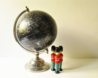 Vintage 30 cm - Black Earth Globe - Black Ocean - With Legend