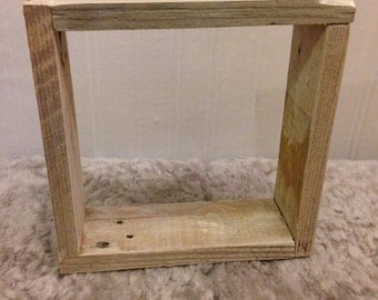 Small pallet box frame