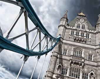 Tower Bridge in London - canvas