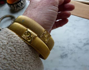 Pair of Vintage bracelets - Gold Tone - Stretchy -  Vintage Jewelry