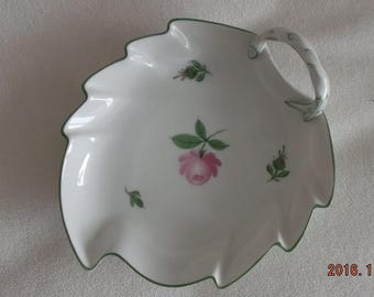 Beautiful porcelain try by Augarten, Austria, flower in pink, perfect condition