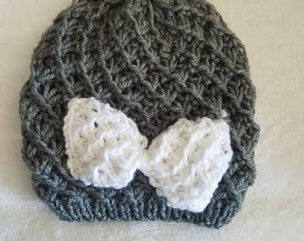 Beanie with bow