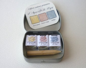 Primary colors of watercolor made hand _Handmade_ box