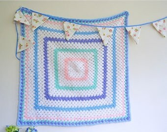 Vintage pastel crochet baby blanket 83x83cm / 32x32 inches, Blue, pink and white crochet blanket, Chunky square knit crochet quilt
