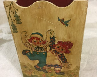 Vintage Raggedy Ann and Andy wooden box