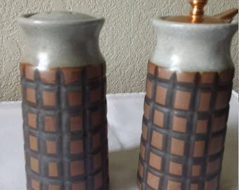 """Olde Thompson, El Segundo Stoneware PINEAPPLE 5 3/8"""" Pepper Mill and Salt Shaker Set"""