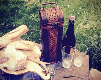 Great wooden bottle carrier box !