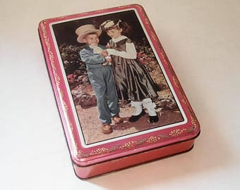 With children, France year 70 vintage metal box