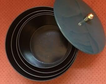 Vintage nesting snack bowls