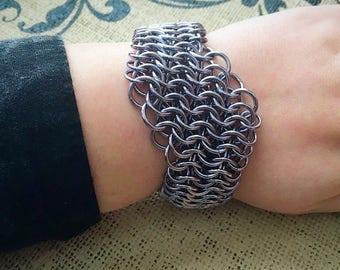 Chainmail Bracelet - Slanted European 6 in 1 Weave in Gunmetal Grey