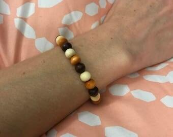 7 inch wood bead bracelet