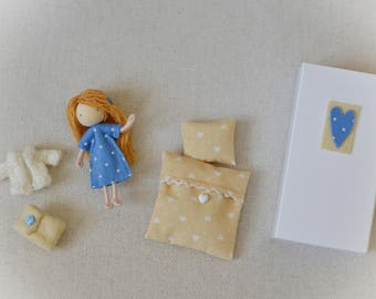Annie - miniature doll set