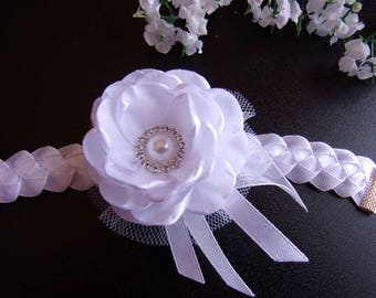 White wedding band in white satin and tulle/Bracelet maid of honor/Bracelet with kanzashi flowers