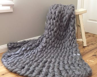 The Knitted Kitty Chunky Knit Throw Blanket