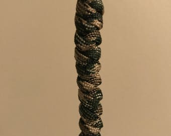 Snake knot keychain